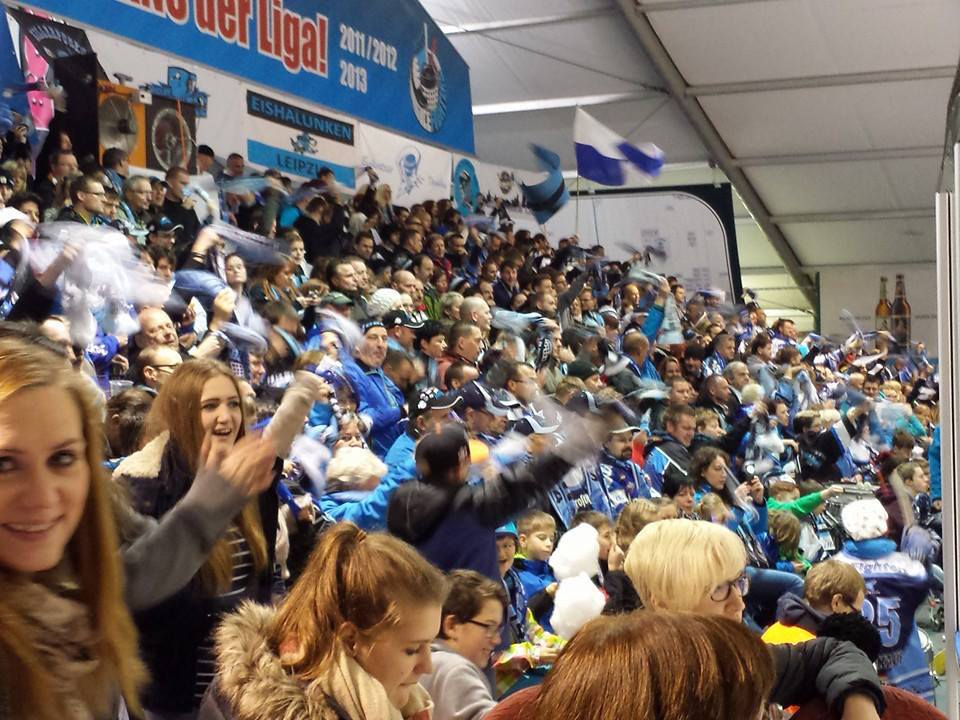 Die Fans in Aktion. Foto: Icefighters Leipzig