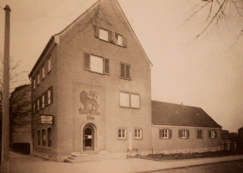 Die Löwen-Apotheke von außen im Jahr 1941